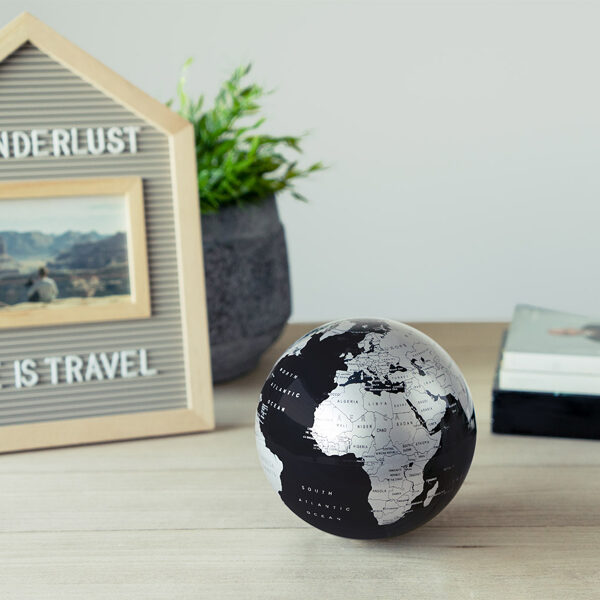 Globe Magic 360º rotējošs melns