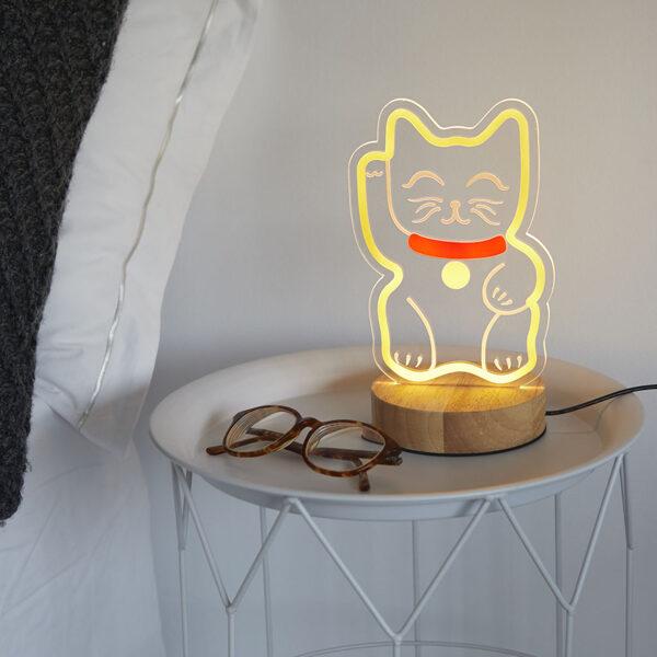 Galda lampa Lucky Cat ar USB kabeli