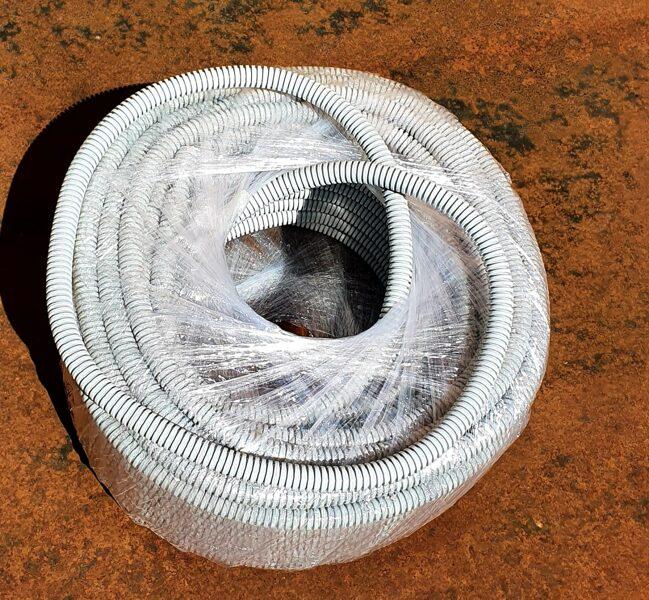 Gofrēta caurule ar stiepli D=20mm 320N 50m pelēka