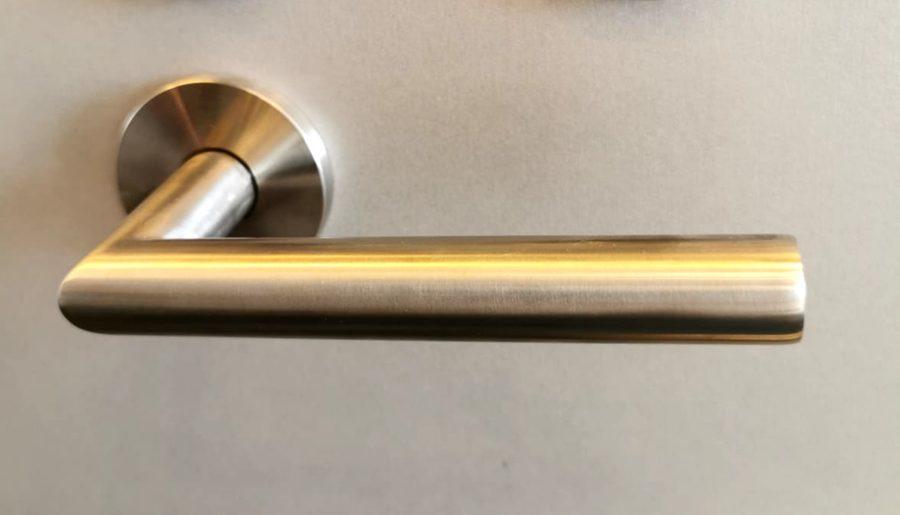 L90° veida, ø19 mm, rokturis ASSA ABLOY