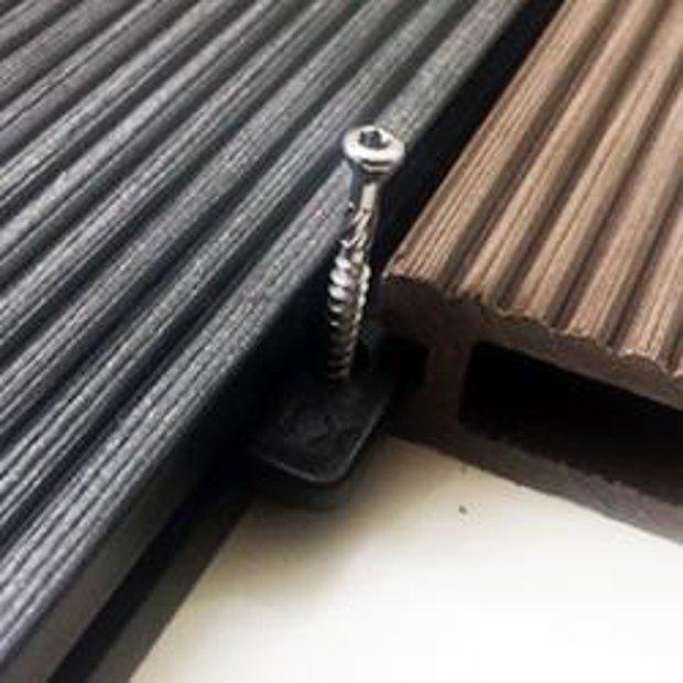 Plastmasas stiprinājumu komplekts terases dēļiem